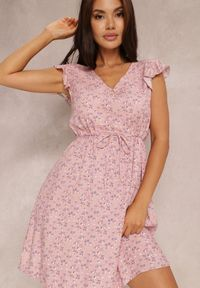 Renee - Różowa Sukienka Ruve. Kolor: różowy