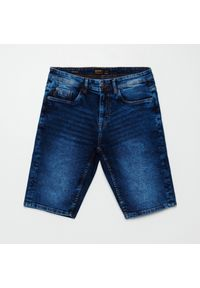 Cropp - Jeansowe szorty basic - Granatowy. Kolor: niebieski. Materiał: jeans