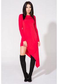 Tessita - Czerwona Sukienka Asymetryczna Dzianinowa z Długim Rękawem. Kolor: czerwony. Materiał: dzianina. Długość rękawa: długi rękaw. Typ sukienki: asymetryczne