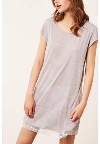 Etam - Koszula nocna WARM DAY. Kolor: szary. Materiał: dzianina, koronka. Długość: krótkie