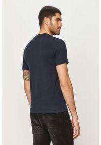 Niebieski t-shirt Jack & Jones casualowy, z nadrukiem