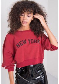 e-margeritka - Bluza damska bawełniana krótka bordowa - 40. Okazja: na co dzień. Kolor: czerwony. Materiał: bawełna. Długość: krótkie. Wzór: napisy, aplikacja. Styl: casual