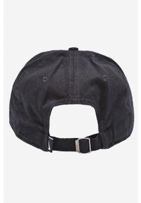 Czarna czapka z daszkiem Nike z aplikacjami