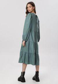 Born2be - Zielona Sukienka Hyrevera. Kolor: zielony. Długość rękawa: długi rękaw. Długość: midi