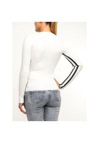 Biały sweter Superdry