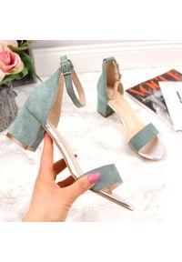 Turkusowe sandały Sergio Leone