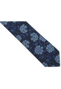 Adam Collection - Granatowy krawat męski w błękitne kwiaty D307. Kolor: niebieski. Materiał: tkanina, mikrofibra. Wzór: kwiaty