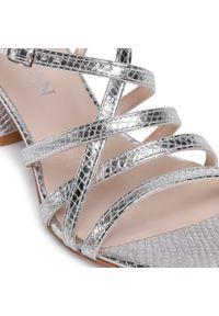 Srebrne sandały sagan
