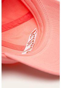 Różowa czapka z daszkiem Billabong z aplikacjami