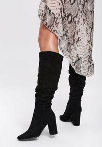 Renee - Czarne Kozaki Glitter. Nosek buta: okrągły. Zapięcie: zamek. Kolor: czarny. Obcas: na obcasie. Wysokość obcasa: średni