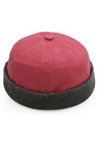 Czerwona czapka Pako Jeans na jesień