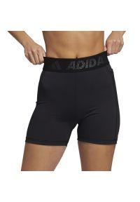 Adidas - adidas Techfit Badge of Sport > GL0689. Materiał: poliester, materiał, elastan. Technologia: Techfit (Adidas). Długość: krótkie. Sport: kolarstwo, fitness