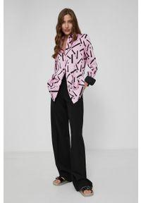 Victoria Victoria Beckham - Koszula. Okazja: na co dzień. Kolor: różowy. Materiał: tkanina. Długość rękawa: długi rękaw. Długość: długie. Styl: casual