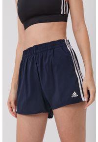 Adidas - adidas - Szorty. Okazja: na co dzień, na plażę. Kolor: niebieski. Materiał: tkanina, materiał. Wzór: gładki. Styl: casual