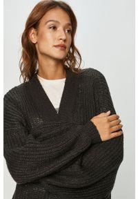 Szary sweter rozpinany Noisy may
