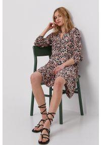 Vero Moda - Sukienka. Kolor: czarny. Materiał: tkanina. Długość rękawa: długi rękaw. Typ sukienki: rozkloszowane