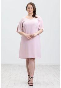 Różowa sukienka Moda Size Plus Iwanek casualowa, na wesele