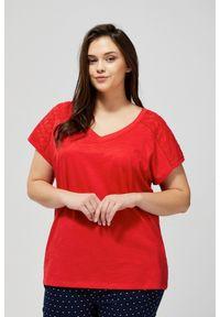 Czerwona bluzka MOODO krótka, z krótkim rękawem, klasyczna