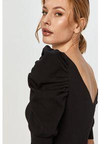 Morgan - Sukienka. Kolor: czarny. Materiał: tkanina. Długość rękawa: krótki rękaw. Wzór: gładki. Typ sukienki: dopasowane #5