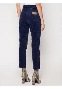 Niebieskie spodnie materiałowe Wrangler