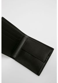 Brązowy portfel Lacoste