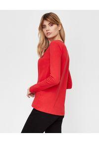 LA MANIA - Czerwona koszulka z długim rękawem. Kolor: czerwony. Materiał: bawełna. Długość rękawa: długi rękaw. Długość: długie. Wzór: napisy #3