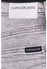 Calvin Klein Jeans - Jeansy Mom Jean. Kolor: szary