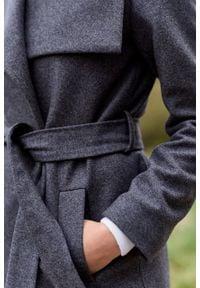 Marie Zélie - Płaszcz wełniany Adela szary. Kolor: szary. Materiał: wełna. Długość: krótkie. Sezon: zima