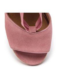 Różowe sandały Ugg