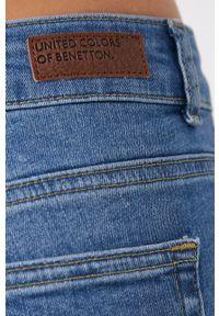 United Colors of Benetton - Jeansy. Stan: podwyższony. Kolor: niebieski