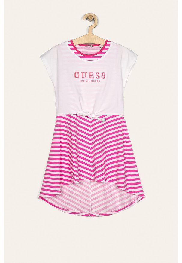 Różowa sukienka Guess Jeans mini, z krótkim rękawem, z okrągłym kołnierzem, rozkloszowana