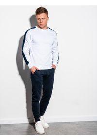 Biała bluza Ombre Clothing z aplikacjami, bez kaptura #7