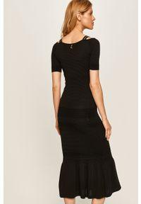 Czarna sukienka Patrizia Pepe dopasowana, z okrągłym kołnierzem, midi