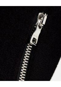 BALMAIN - Czarna bluza z logo Balmain. Okazja: na co dzień. Typ kołnierza: kaptur. Kolor: czarny. Materiał: len, dzianina. Długość rękawa: długi rękaw. Długość: długie. Sezon: wiosna. Styl: casual