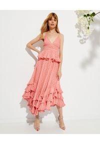 ROCOCO SAND - Różowa sukienka maxi Aria. Typ kołnierza: dekolt na plecach. Kolor: fioletowy, różowy, wielokolorowy. Materiał: materiał. Długość rękawa: na ramiączkach. Typ sukienki: baskinki. Długość: maxi