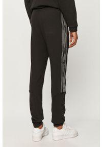 Czarne spodnie dresowe adidas Originals gładkie #4