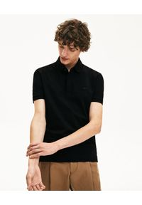 Lacoste - LACOSTE - Czarny t-shirt polo z bawełnianej piki Regular Fit. Okazja: do pracy, na spotkanie biznesowe. Typ kołnierza: polo. Kolor: czarny. Materiał: bawełna. Wzór: gładki. Styl: klasyczny, elegancki, biznesowy