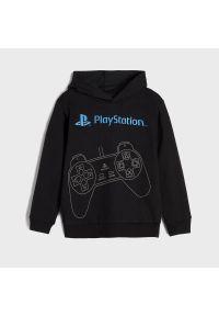 Sinsay - Bluza z kapturem PlayStation - Czarny. Typ kołnierza: kaptur. Kolor: czarny