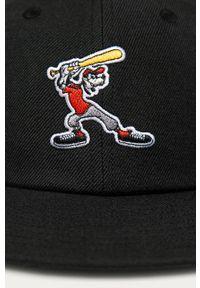 Czarna czapka z daszkiem adidas Originals z aplikacjami