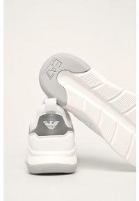 EA7 Emporio Armani - Buty. Zapięcie: sznurówki. Kolor: biały. Materiał: guma. Szerokość cholewki: normalna