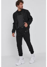 Karl Lagerfeld - T-shirt. Okazja: na co dzień. Kolor: czarny. Materiał: dzianina. Styl: casual