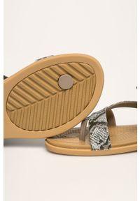 Brązowe klapki Crocs