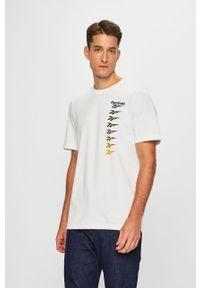 Biały t-shirt Reebok Classic z nadrukiem, z okrągłym kołnierzem, na co dzień