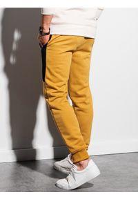 Ombre Clothing - Spodnie męskie dresowe joggery P903 - musztardowe - XXL. Kolor: żółty. Materiał: dresówka