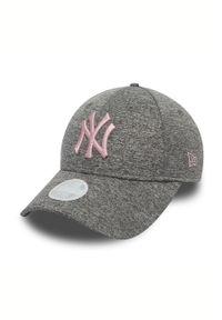 Szara czapka z daszkiem New Era z aplikacjami
