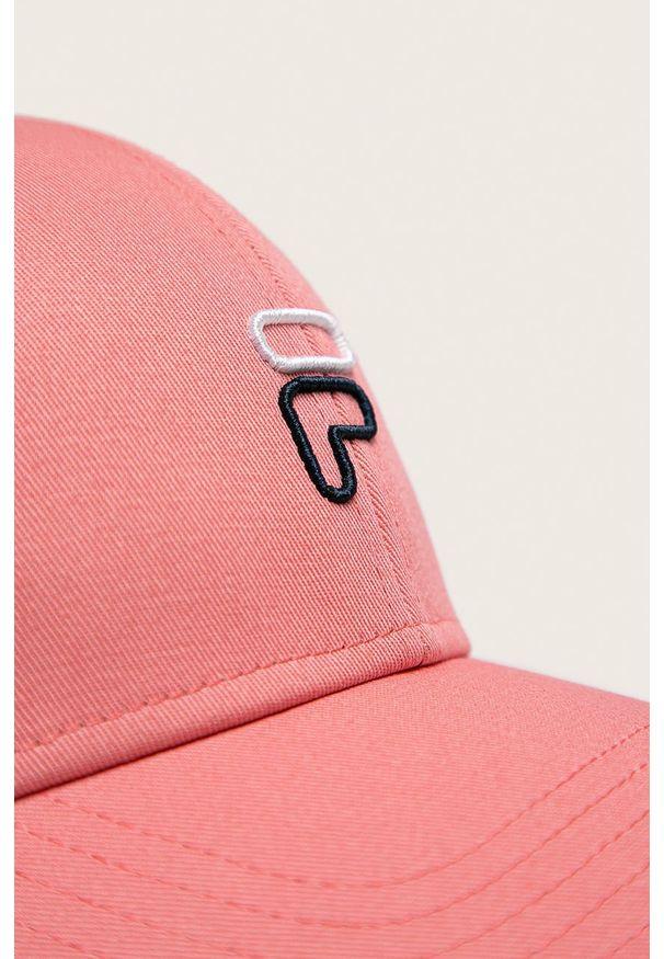 Różowa czapka z daszkiem Fila z aplikacjami