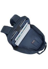 Niebieski plecak na laptopa RIVACASE młodzieżowy