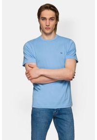 Lancerto - Koszulka Błękitna Mark. Okazja: na co dzień. Kolor: niebieski. Materiał: włókno, materiał, bawełna. Wzór: aplikacja. Sezon: lato, jesień, wiosna, zima. Styl: klasyczny, casual