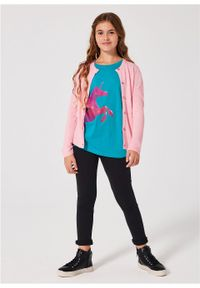 Shirt dziewczęcy z nadrukiem jednorożca bonprix ciemnoturkusowy. Kolor: niebieski. Wzór: nadruk