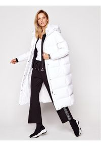 Biała kurtka puchowa Guess